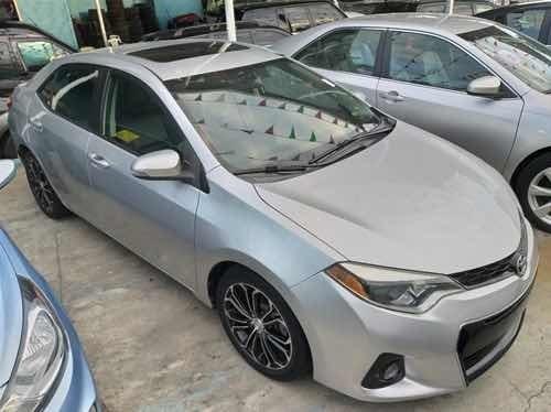 Toyota Corolla Corolla S Sunroof