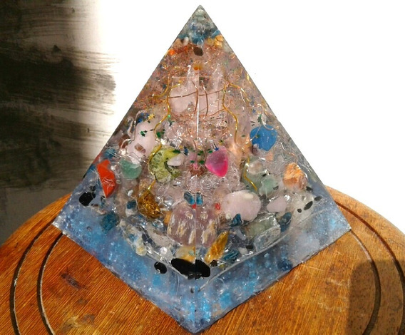 Orgonite De Cristais Super Prisma Piramide Incolor Harmonic