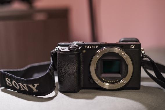Câmera Sony A6300 Excelente Estado Com Duas Baterias E Caixa