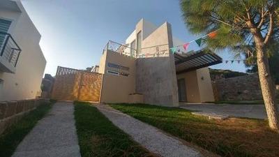 Preciosa Residencia En Vista Real, 3 Recámaras, Alberca Lujo