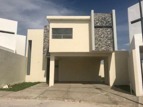 Casa Sola En Venta Fracc. Viñedos