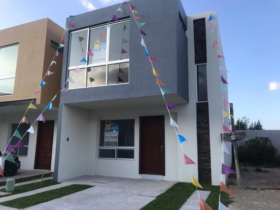 Casa Nueva, Ubicada En Coto Privado Con Alberca En Zona Sur