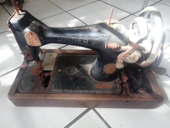 Máquina De Costura Singer Antiga-relíquia