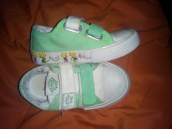 Zapatillas Verdes Con Abrojo Talle 24