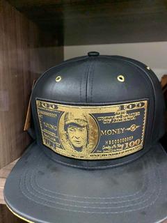 Boné Couro Money Moeda