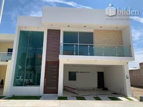 Casa En Venta En Fracc El Lago Residencial