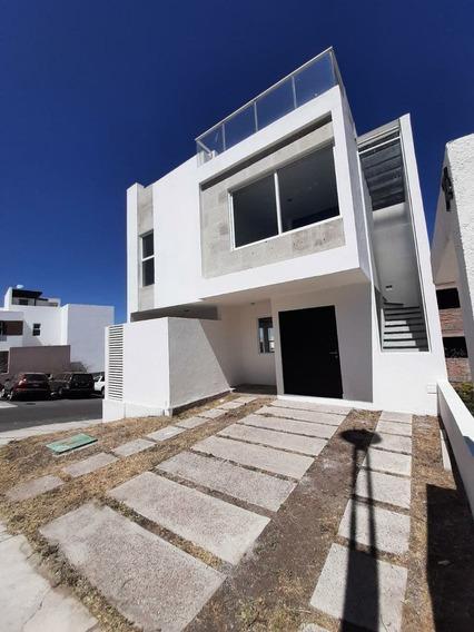 Casa Con Roof Garden Dentro De Condominio, Zibatá, Qro. Am