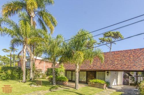 Casa En  Punta Del Este ,  Playa Mansa - Ref: 13494
