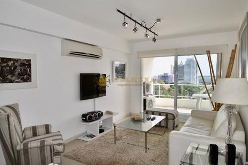 Apartamento En La Brava De 3 Baños, 3 Dormitorios, Kit, Lavadero, Living Comedor, Office, Baño De Servicio, 2 Suites. Consulte!!!!!!!- Ref: 2012