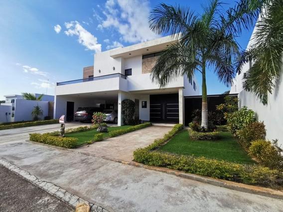 Residencia Equipada En Residencial Rejoyada Al Norte De Merida Yucatan.