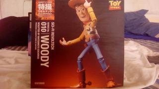 Revoltech Woody Y Buzz Lightyear