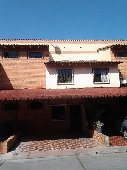 Town House En Aves Del Paraíso. Eglée Suárez 04144815512