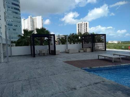 Venta De Departamento De Una Habitación En Malecón Américas, Cancún
