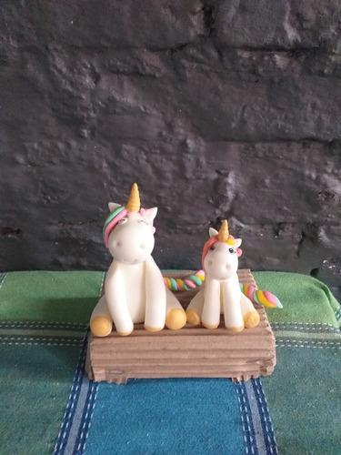 Unicornio En Porcelna Fría