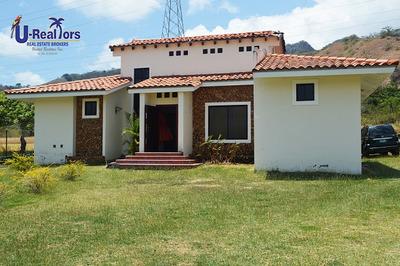 Casa De Campo En El Espave, Chame - Rebajado A $219,000