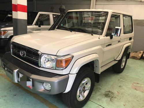 Toyota Macho Full Equipo
