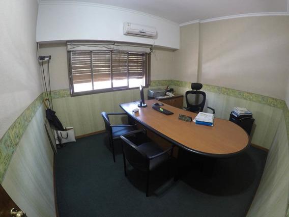 Preciosas Oficinas En El Centro De Escalada