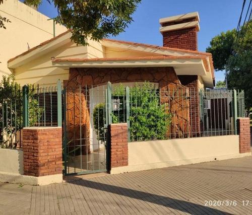 Casa 2 Dormitorios - Rosario, Zona Avenida Del Rosario Y Castro Barros