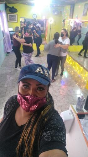 Imagem 1 de 5 de Aulas De Dança E Treino Funcional  Oriente Brasil