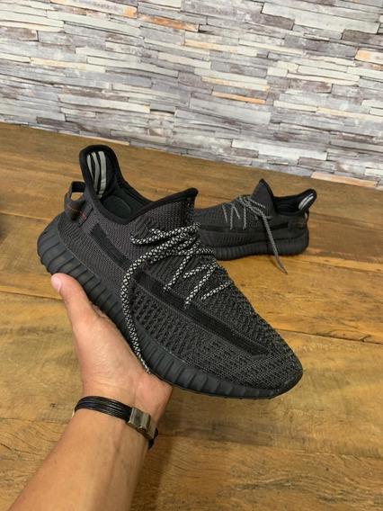 Tênis adidas Yeezy Boost 350 - Refletivo