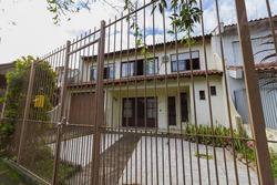 Casa Para Venda Em Gravataí, Dom Feliciano, 4 Dormitórios, 1 Suíte, 2 Banheiros, 2 Vagas - Jvcs211