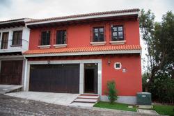 Vendo Hermosa Casa En Jocotenango Dentro De Condominio