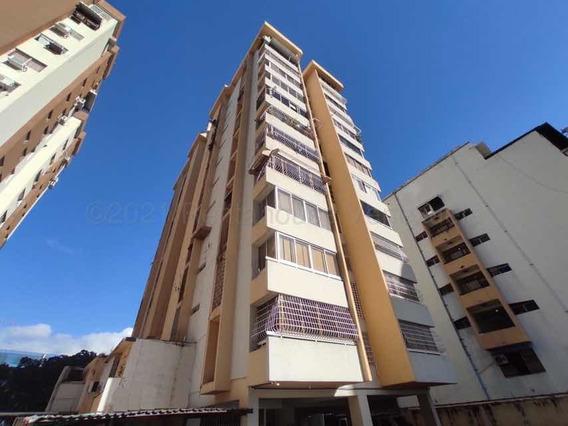 Apartamento Estudio En Venta En Andrés Bello 21-11009 Mgi