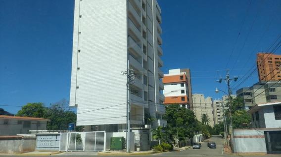 Apartamento En Alquiler En Don Bosco Mls #20-17973 N M