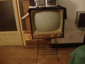 Televisao Philco Antiga