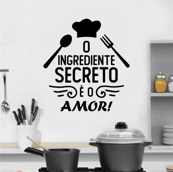 Adesivo Cozinha O Ingrediente Secreto É O Amor - 65x60