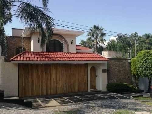 Casa A 3 Min De Plaza Patria Y A 7 De La Zona Financiera