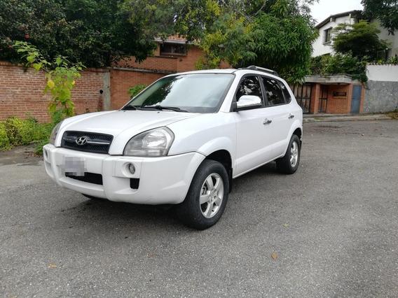 Hyundai Tucson Gl 4x2 Sincrónica