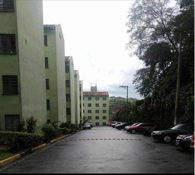 Apartamento Com 2 Dormitórios À Venda, Vila Perracini - Poá/sp - Ap0612
