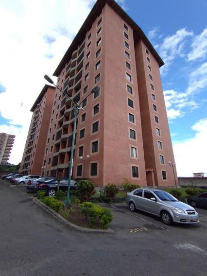 Hermoso Apartamento En Urbanización Altavista