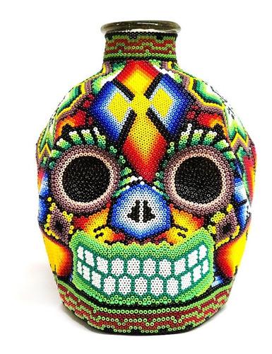 Imagen 1 de 2 de Botella Artesanal Calavera Huichol Con Chaquira