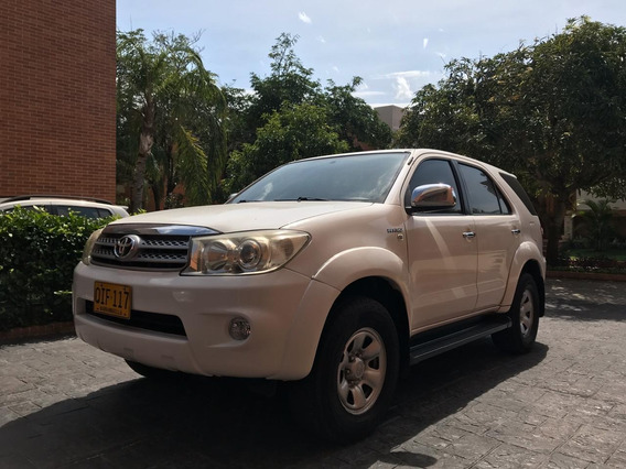 Toyota, Fortuner 4x2 Urbana