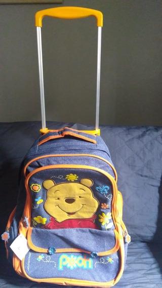Mochila Escolar Infantil Pooh Com Rodinhas E Alça Retrátil