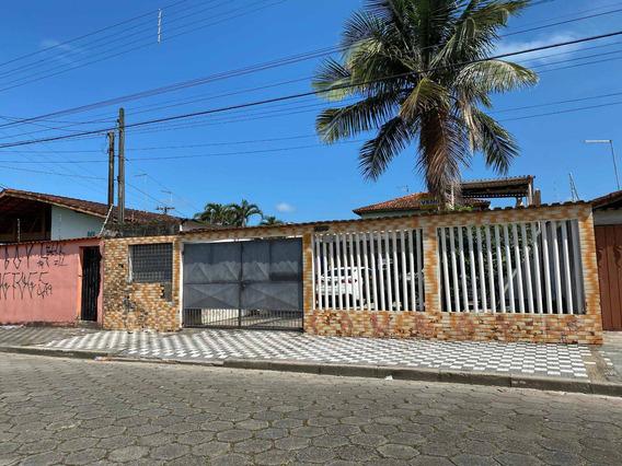 Casa Com Terreno Espaçoso Mongaguá
