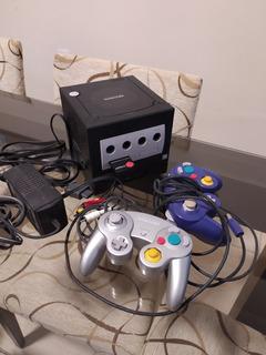 Nintendo Gamecube Con Varios Accesorios Y Juegos