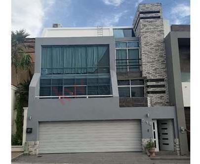 Imagen 1 de 25 de Casa Amueblada En Venta En El Vecindario Colinas De San Miguel