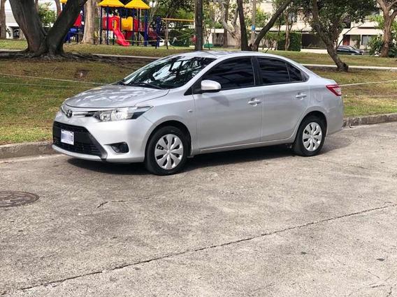 Toyota Yaris Yaris E
