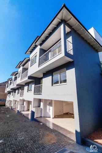 Sobrado Com 2 Dormitórios, Sendo 1 Suíte, Garagem Coberta P/ 2 Carros À Venda, 123 M² Por R$ 430.000 - Camaquã - Porto Alegre/rs - So0156