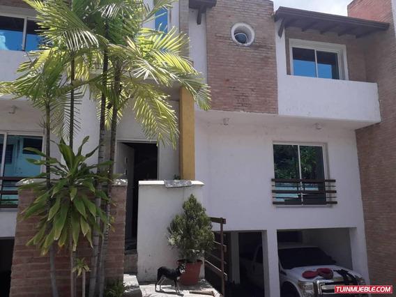Townhouses En Venta 04149436977