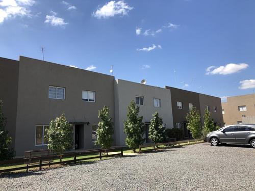 Imagen 1 de 14 de Departamento Duplex 3 Amb. - El Hornero - Pilar
