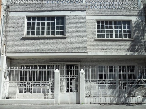 Rento Casa En Zona Jardín Balbuena, Col. Del Parque