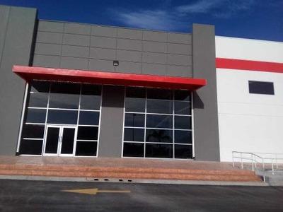 Id:108346, Area De Bodega...6,248 Mts21 Acceso De Rampa68 Espacios De EstacionamientoAltura De Techo 8.54 Mts.Skylights 5%Wall Type.concrete PrecastSeguridad 24 HorasLas Oficinas, Ventilación,