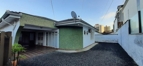 Imagem 1 de 15 de Casa - Padrão, Para Venda Em Joinville/sc - V591