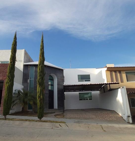 Casa En Venta En Porta Fontana, León, Guanajuato