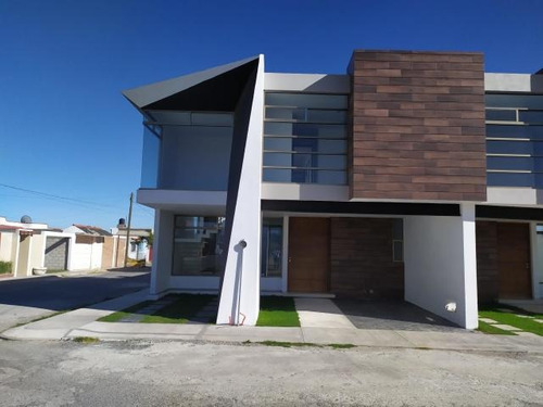 Imagen 1 de 14 de Casa En Venta En Rancho La Colonia 21515 Is