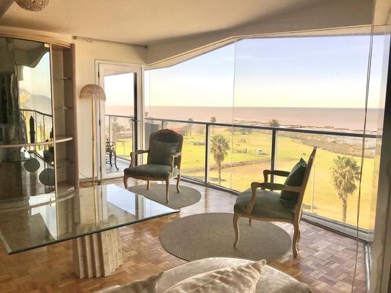Apartamento 3 Dormitorios Y Dependencia De Servicio, Vista Al Mar, Piso Alto, Porteria 24hs